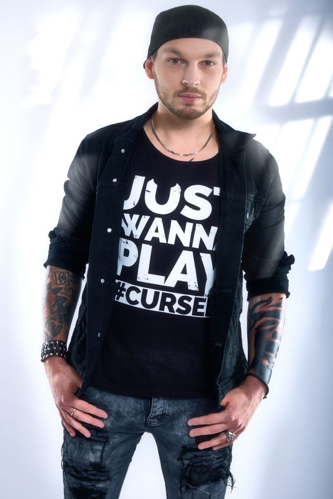 Dee Dammers - Just Wanna Play T-Shirt